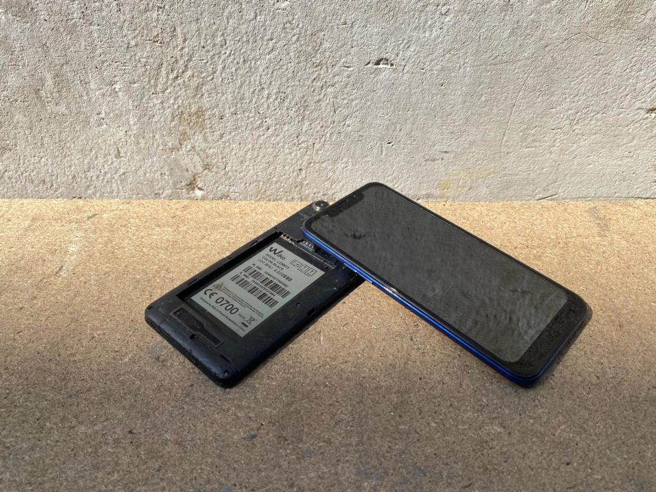 hoogwaardige smartphones zonder batterij inleveren
